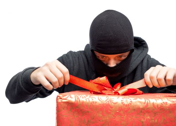 How you can avoid a holiday robbery